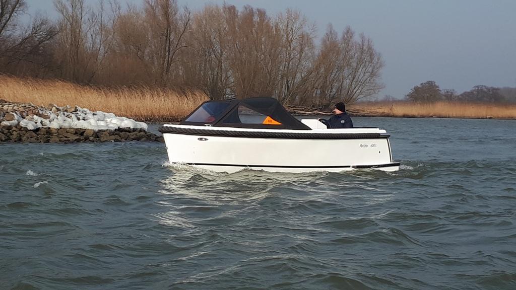 Maxima 600I tender met vetus 27 pk 12
