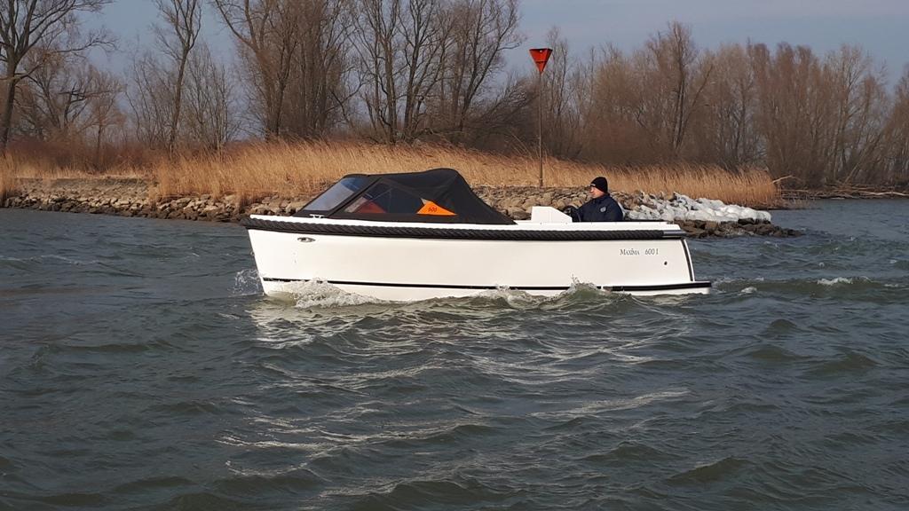Maxima 600I tender met vetus 27 pk 10