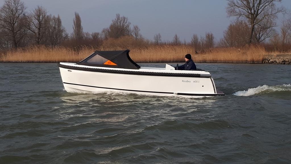 Maxima 600I tender met vetus 27 pk 13