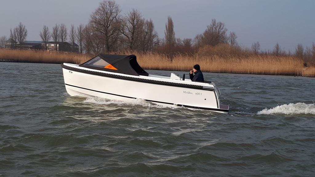 Maxima 600I tender met vetus 27 pk 14