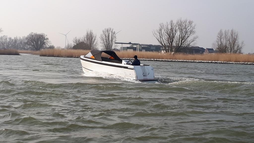 Maxima 600I tender met vetus 27 pk 16