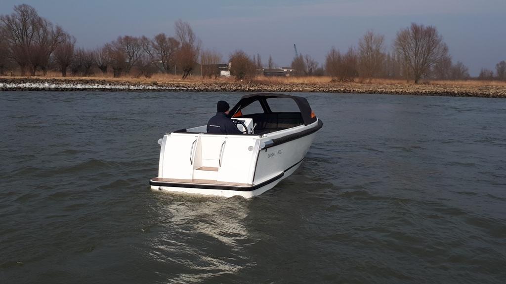 Maxima 600I tender met vetus 27 pk 18