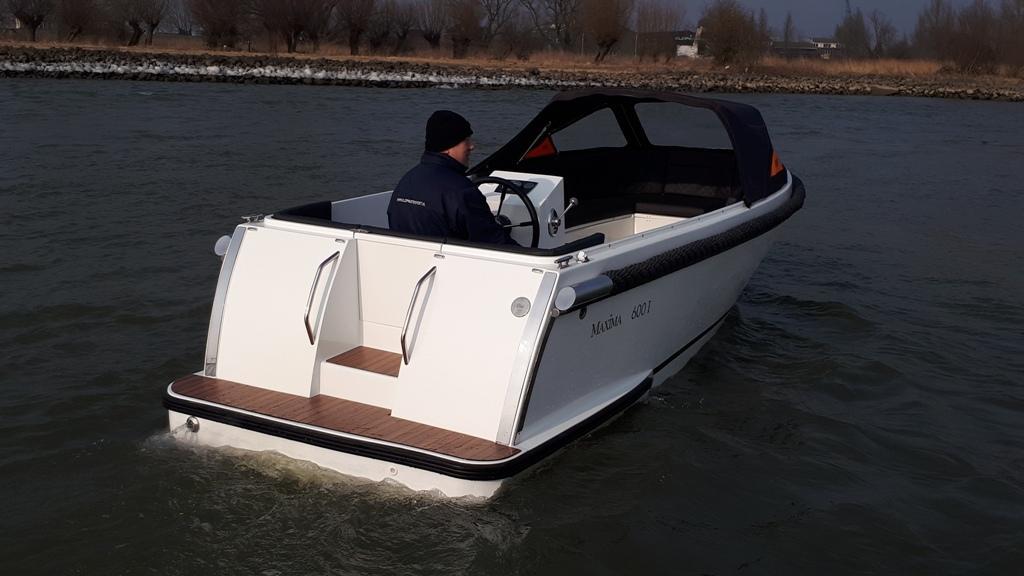 Maxima 600I tender met vetus 27 pk 3