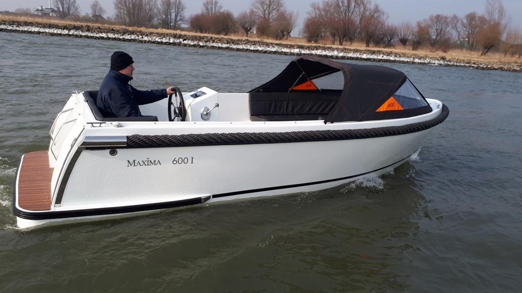 Maxima 600I tender met vetus 27 pk 2