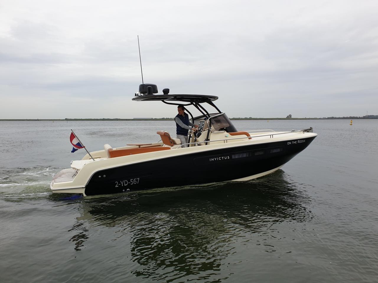 Invictus 250 CX met Mercruiser 4.5 MPI 250 pk NIEUWSTAAT! 1