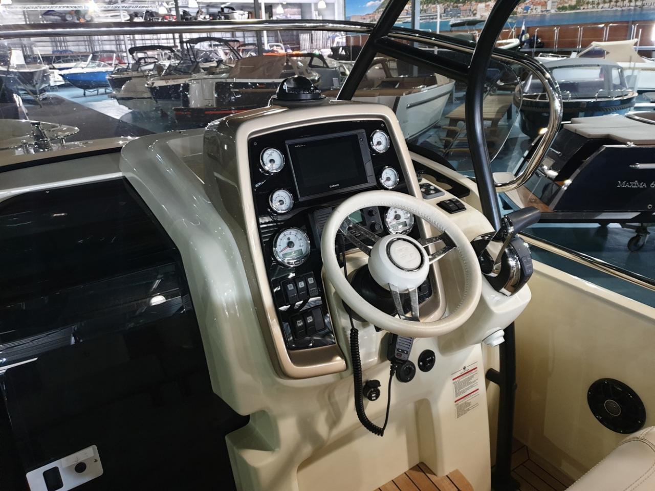 Invictus 250 CX met Mercruiser 4.5 MPI 250 pk NIEUWSTAAT! 8