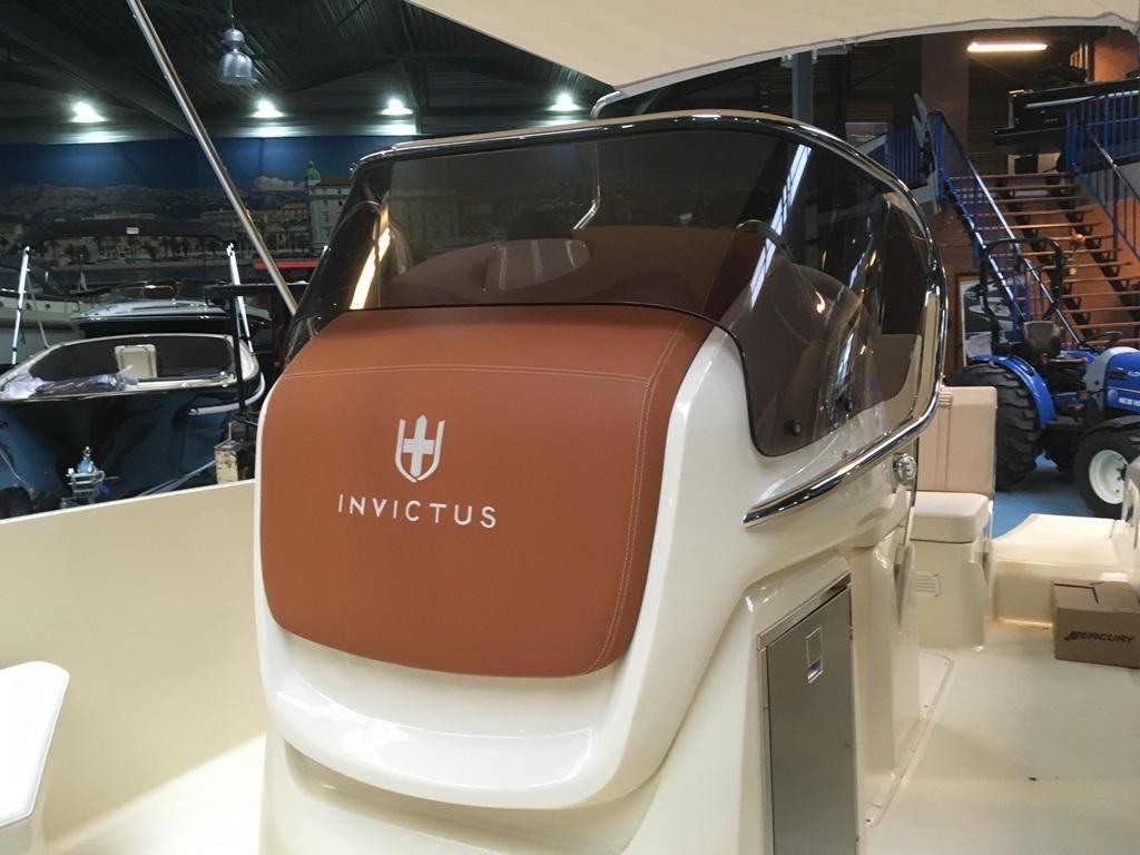 Invictus 200 fx met Mercury F 150 L 11