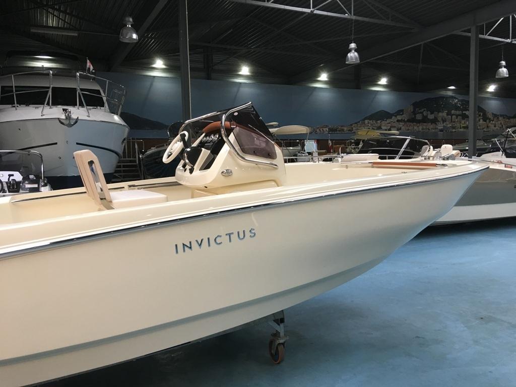 Invictus 200 fx met Mercury F 150 L 3