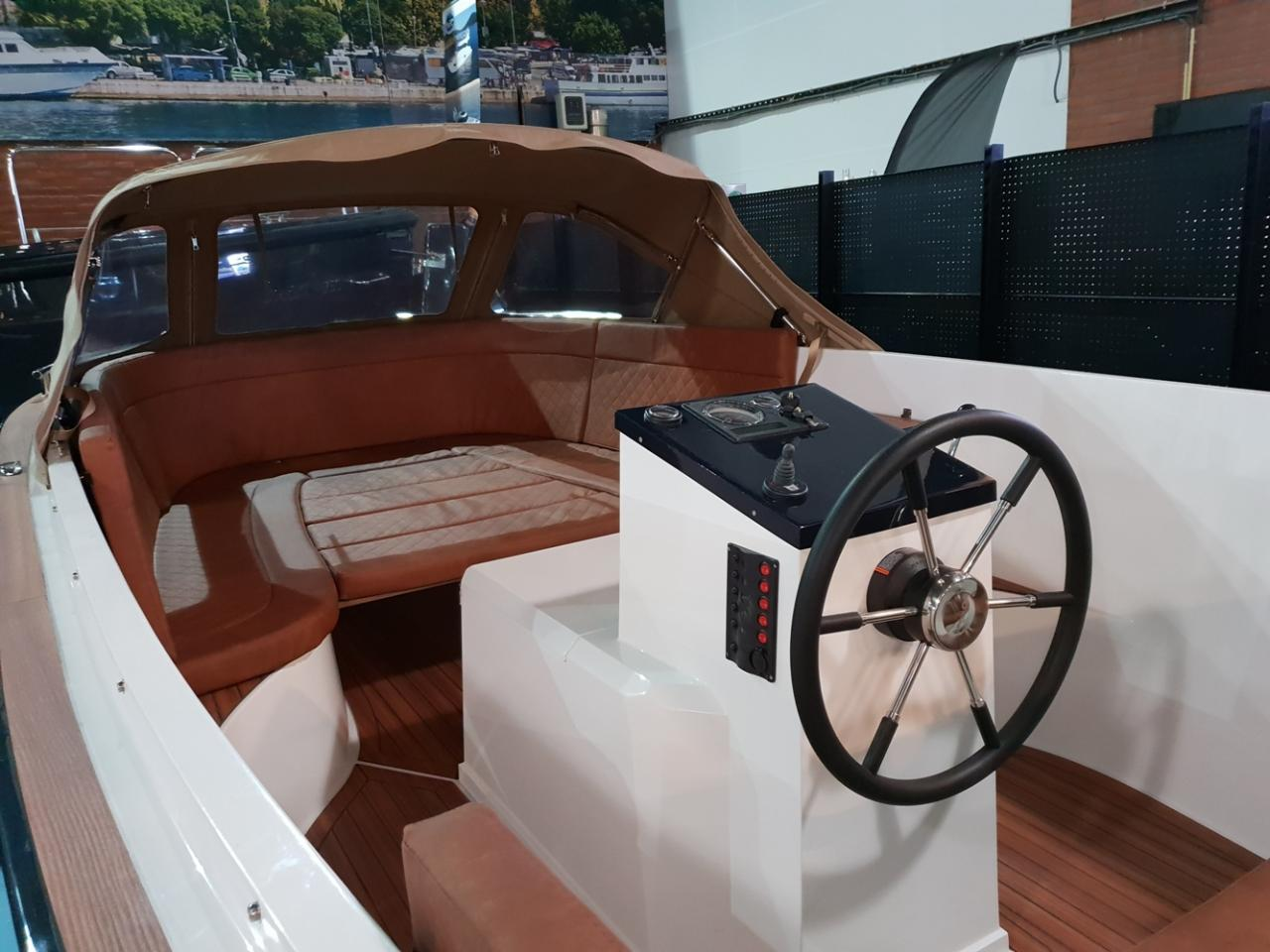 Maxima 630i met Vetus 42 pk 3