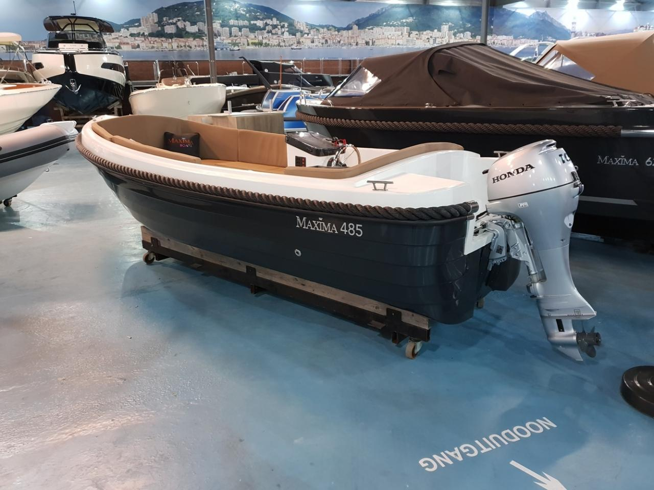Maxima 485 met 10 pk Honda outboard motor 1