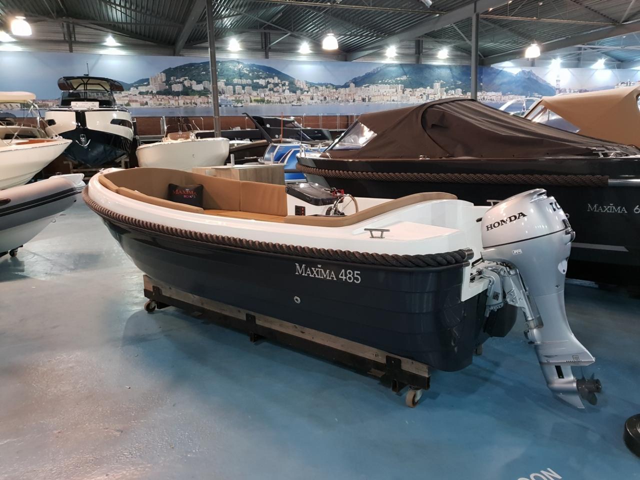 Maxima 485 met 10 pk Honda outboard motor 2