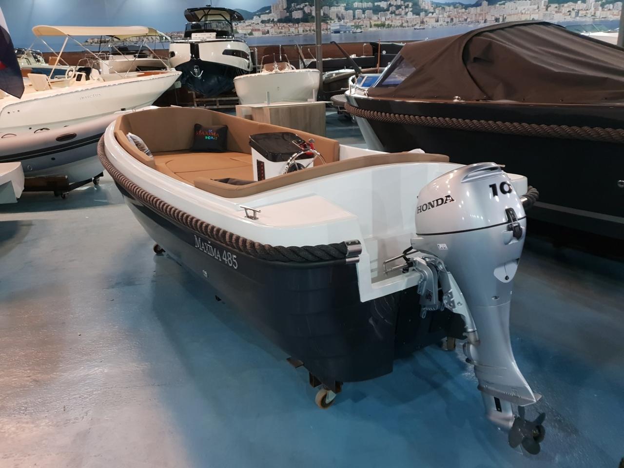 Maxima 485 met 10 pk Honda outboard motor 4