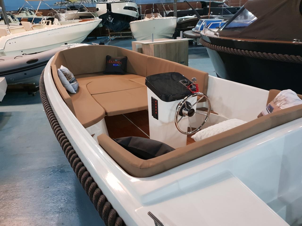 Maxima 485 met 10 pk Honda outboard motor 5