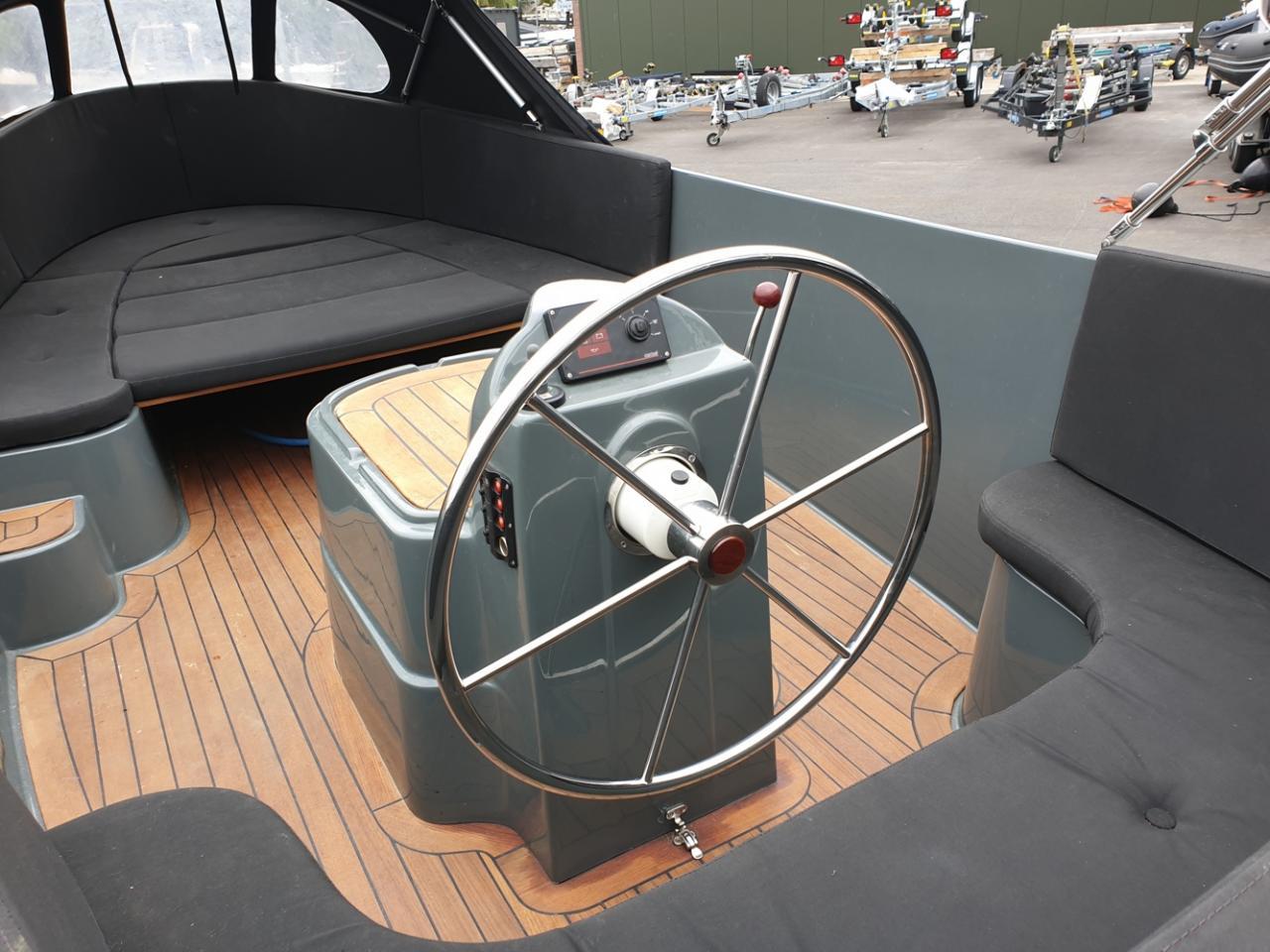 Jottum 650 lounge met Vetus 11 pk dieselmotor 5