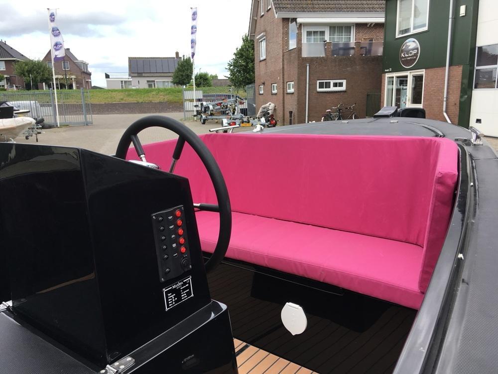 Maxima 650 lounge met Honda 20 pk 5