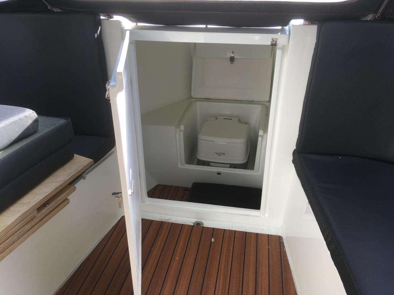 ZOMERKNALLER: Maxima 750 lounge DEMO boot full options! 10