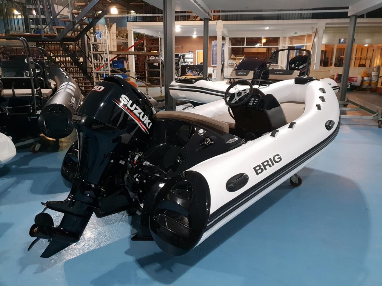 Brig Eagle 380 met Suzuki 50 pk motor 3