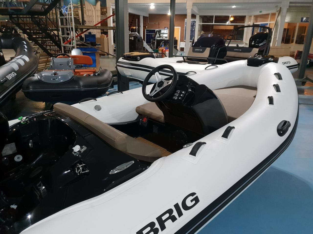 Brig Eagle 380 met Suzuki 50 pk motor 4
