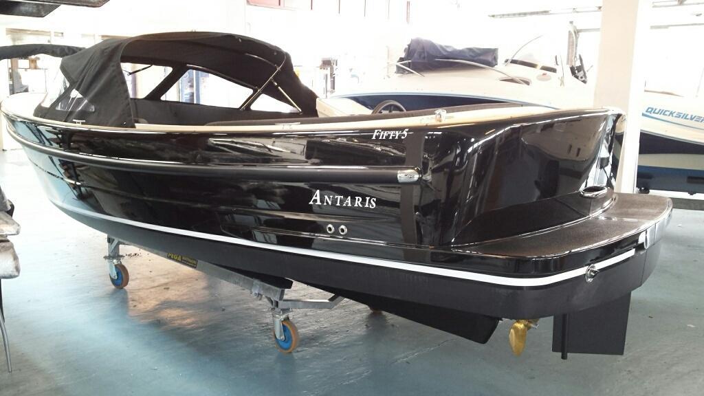 Antaris Fifty5 zwart met 42 pk vetus 3