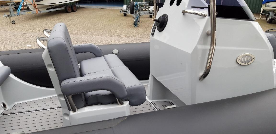 Brig Eagle 6 met Suzuki 140 pk 12