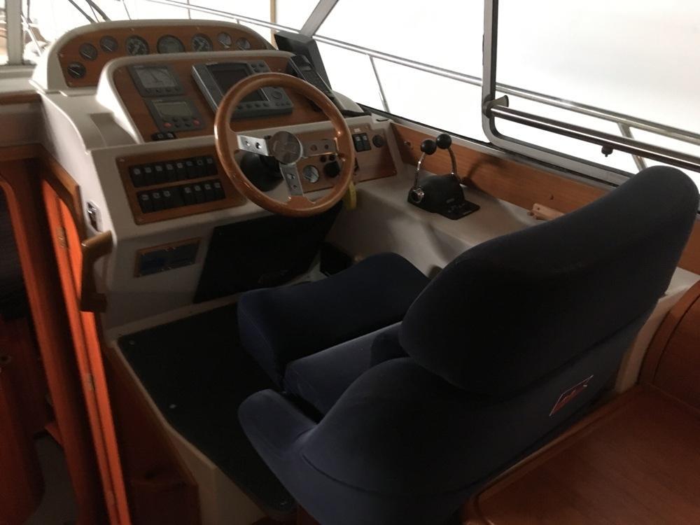 Nimbus 380 coupé met 2 x Volvo Penta 230pk 26