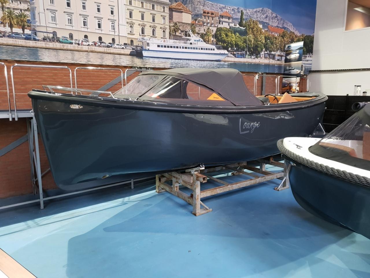 Maxima 750 lounge met Vetus 42 pk 1
