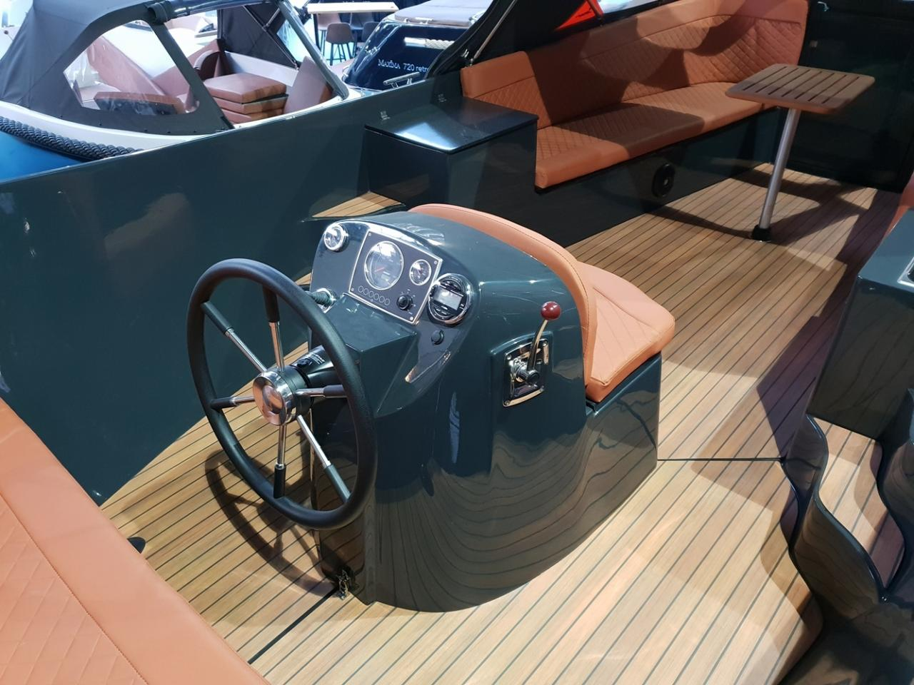 Maxima 750 lounge met Vetus 42 pk 3