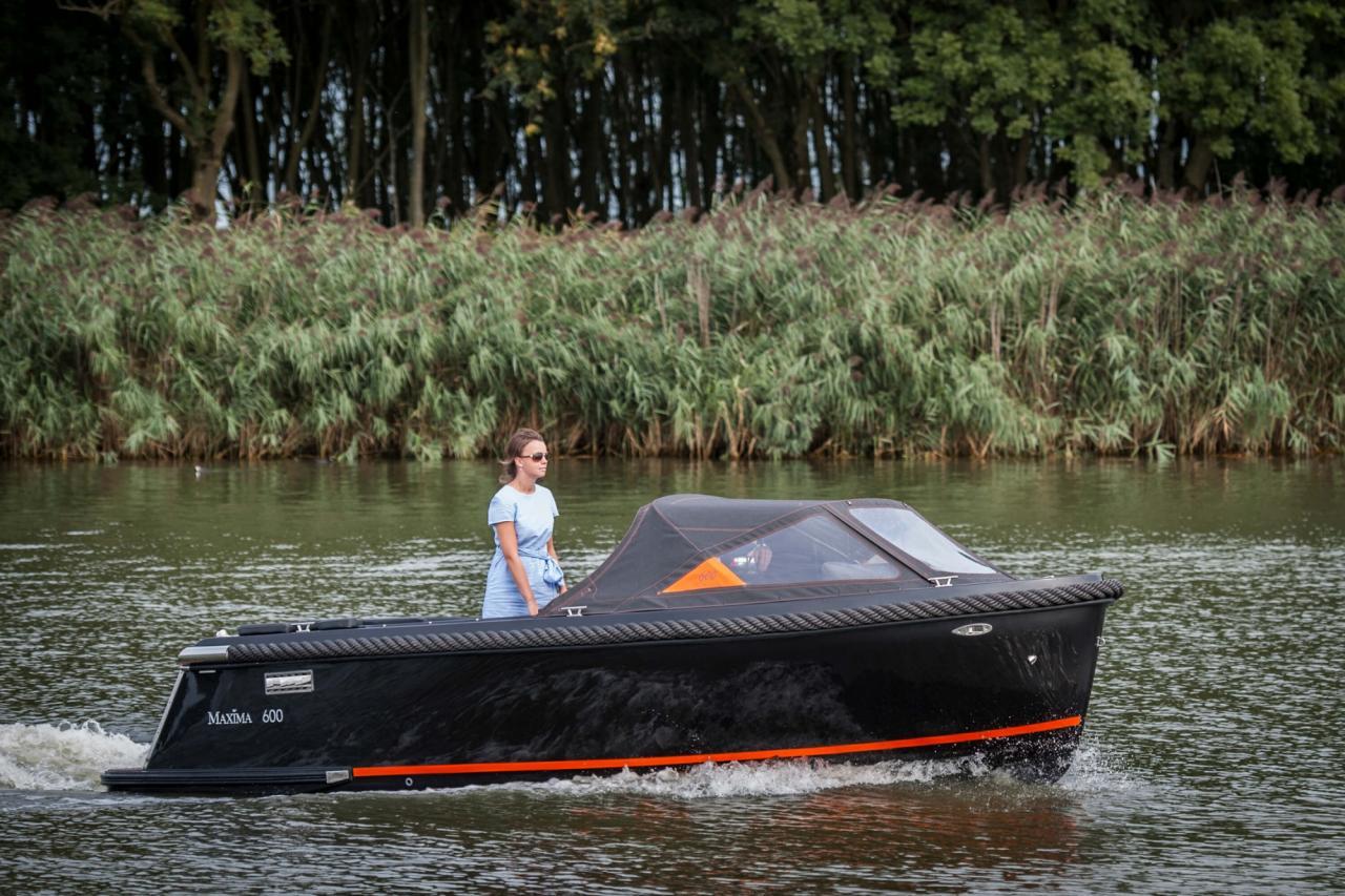 Maxima 600 zwart / zwart met Honda 60 pk 5