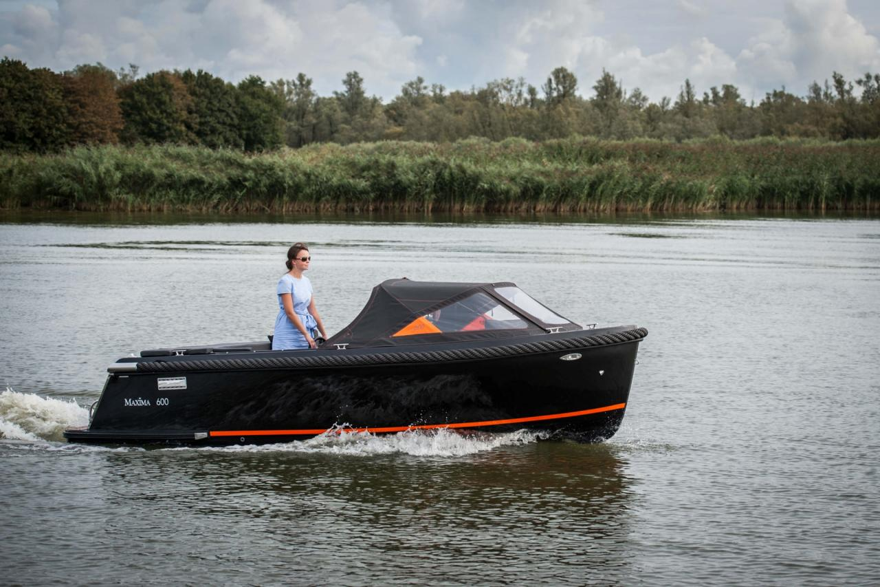 Maxima 600 zwart / zwart met Honda 60 pk 7