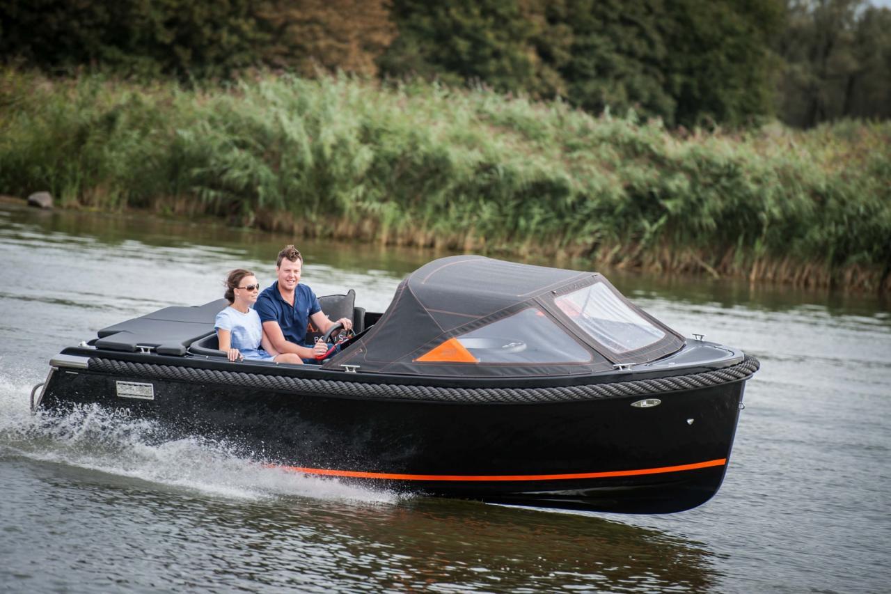 Maxima 600 zwart / zwart met Honda 60 pk 10
