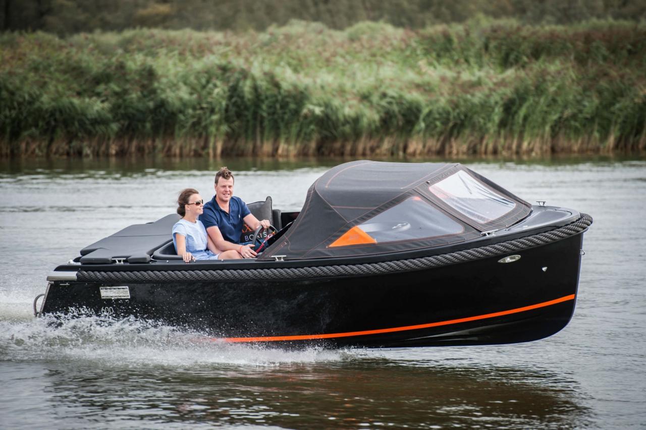 Maxima 600 zwart / zwart met Honda 60 pk 11