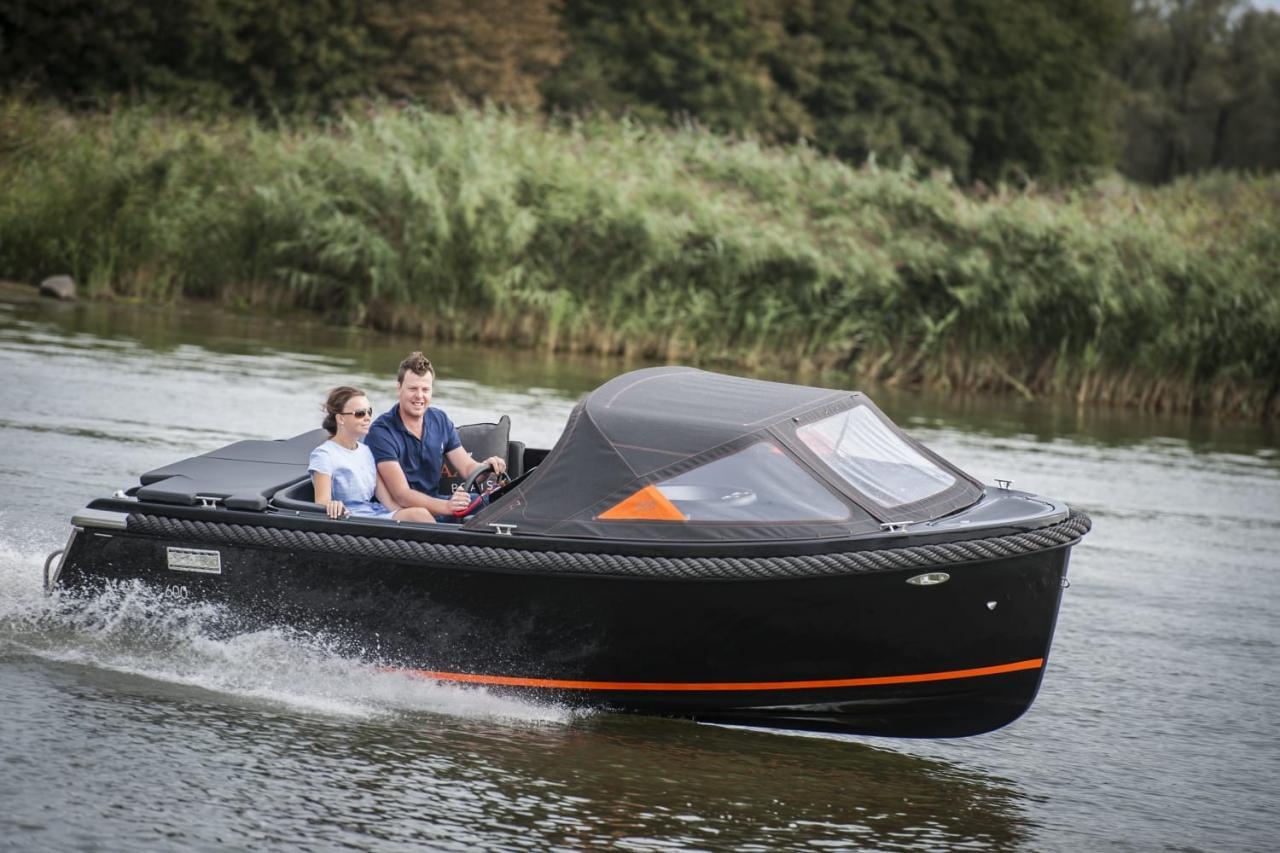 Maxima 600 zwart / zwart met Honda 60 pk 2