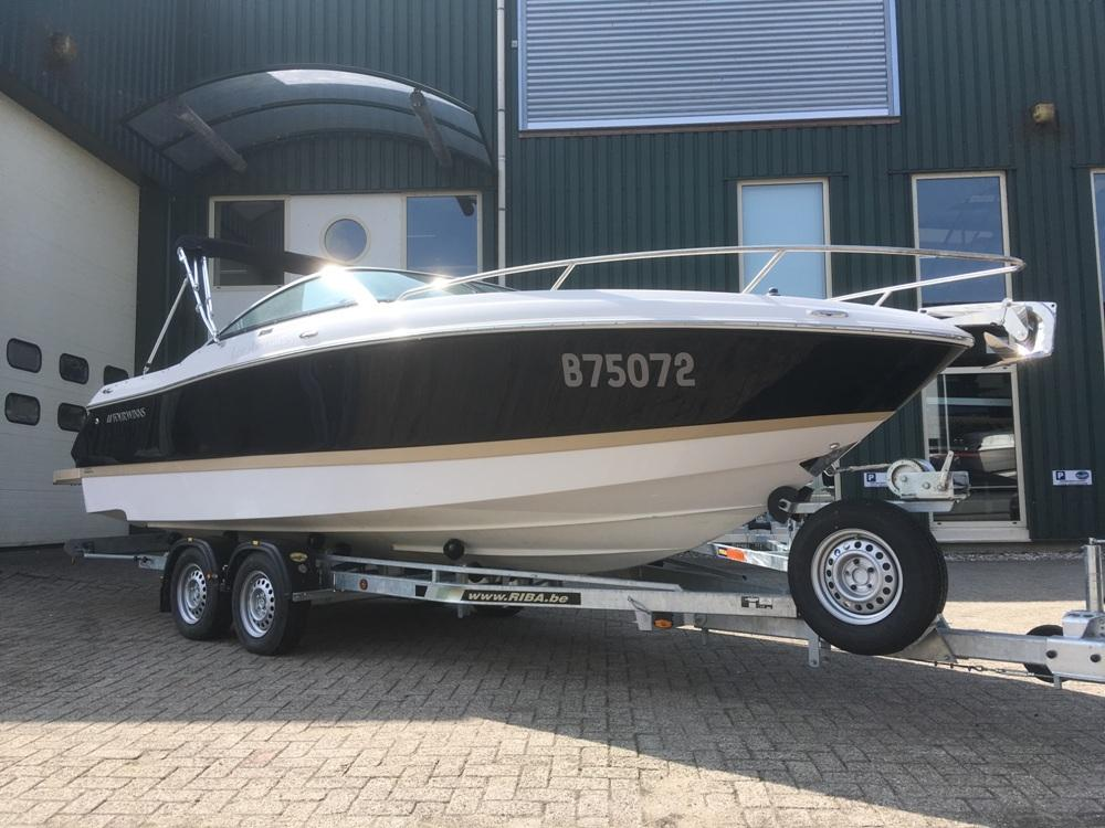 Four Winns S235 met Mercruiser 4.5 mpi  5