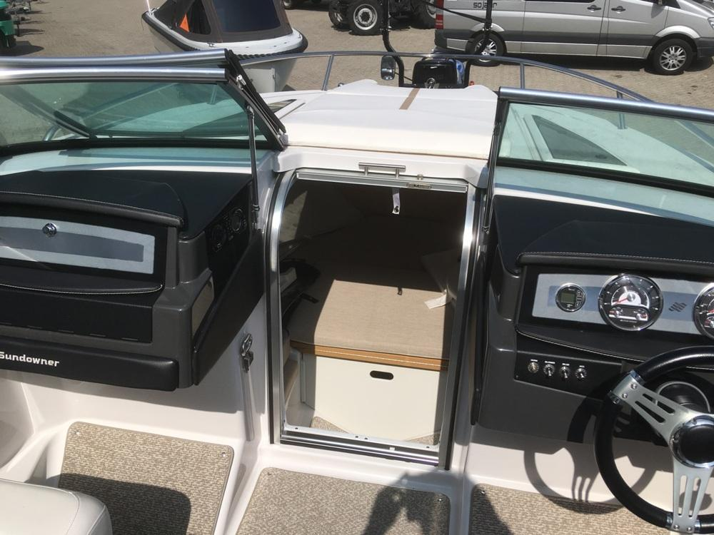 Four Winns S235 met Mercruiser 4.5 mpi  15