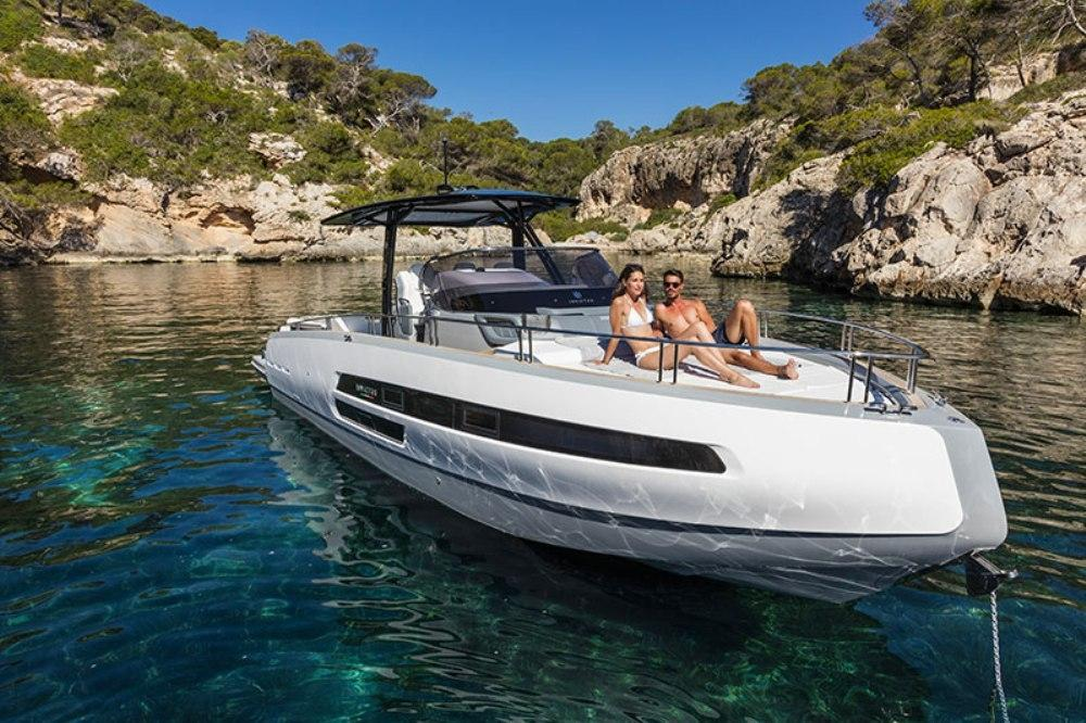 Invictus 370 GT sportjacht - levering 2022! 13