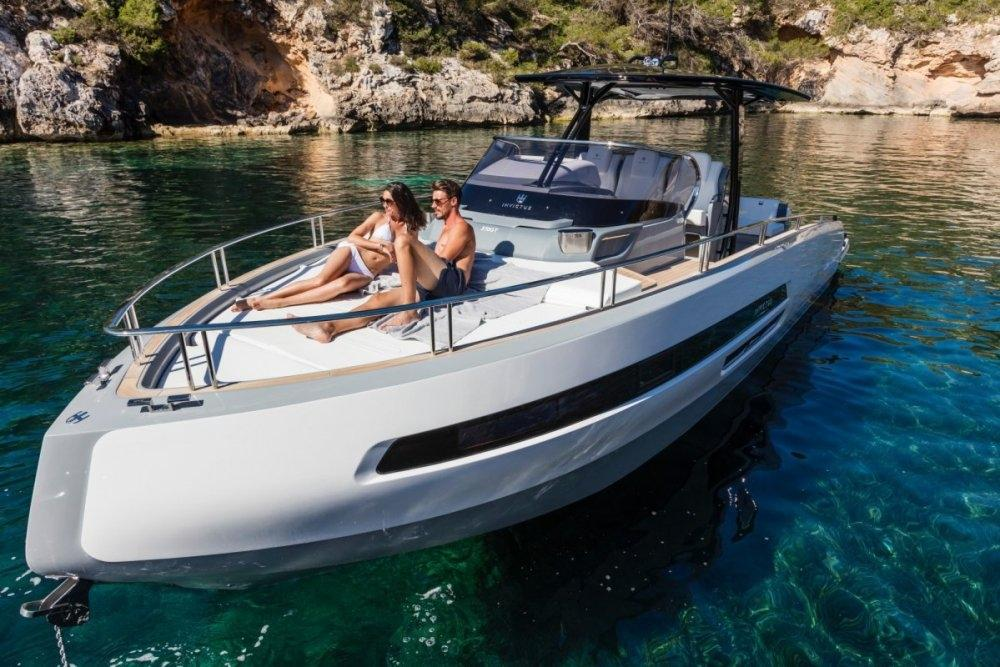 Invictus 370 GT sportjacht 3