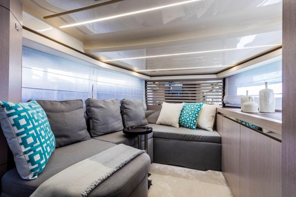 Invictus 370 GT sportjacht - levering 2022! 16