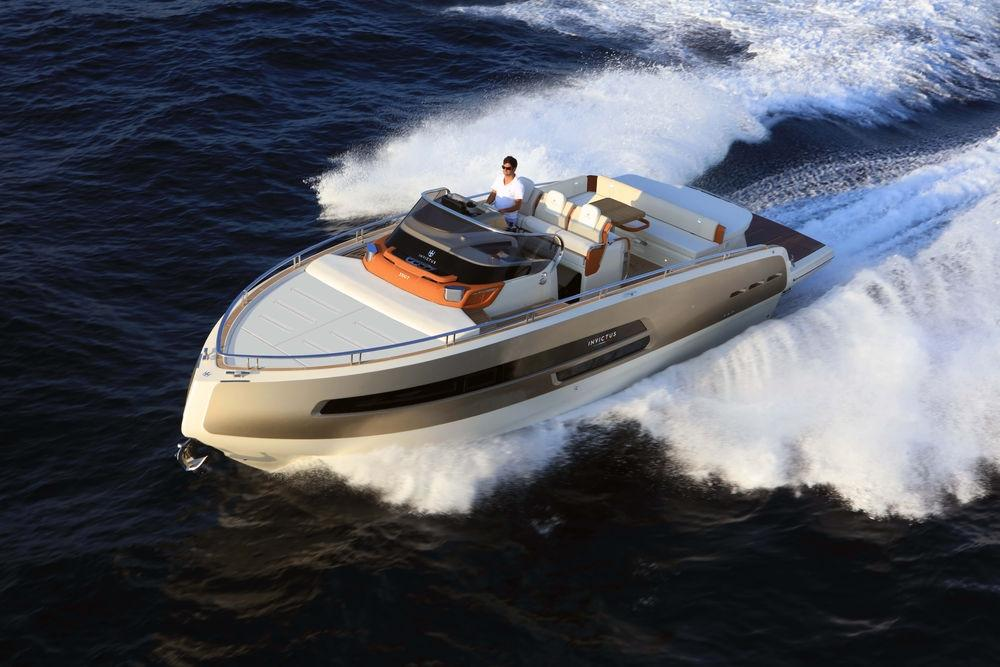 Invictus 370 GT sportjacht 5