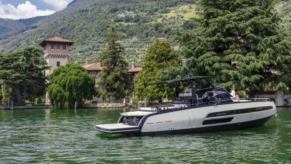 Invictus 370 GT sportjacht 24