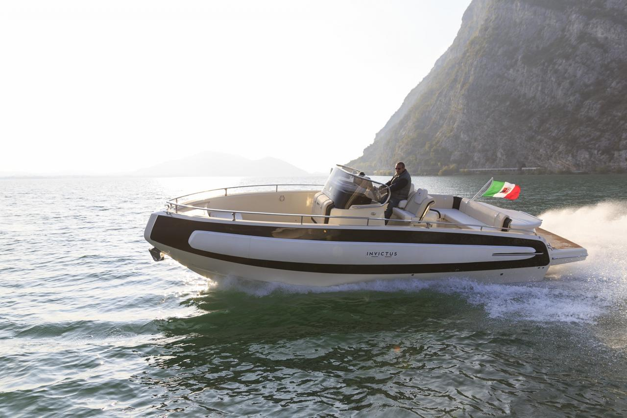 Invictus 280 TT sportboot 2