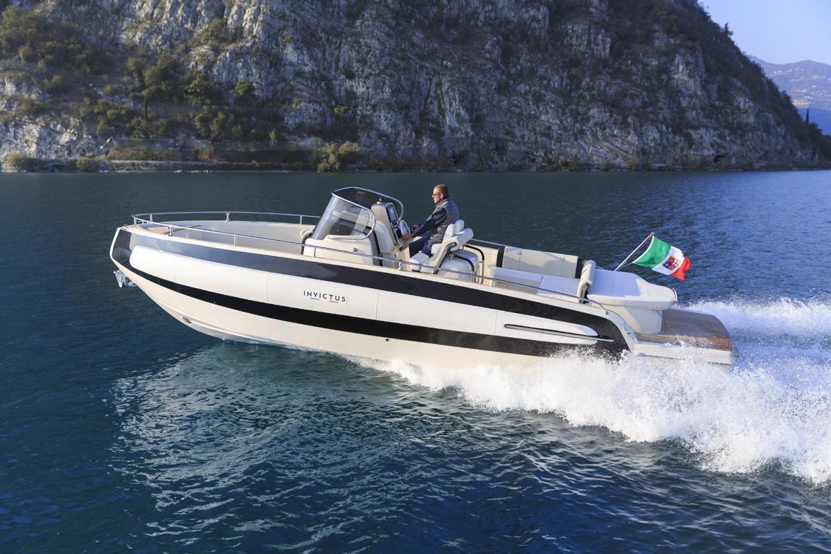 Invictus 280 TT sportboot 1