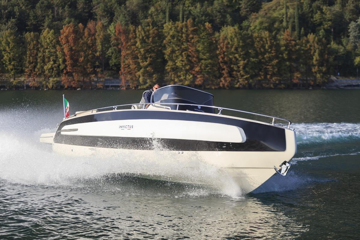 Invictus 280 TT sportboot 4