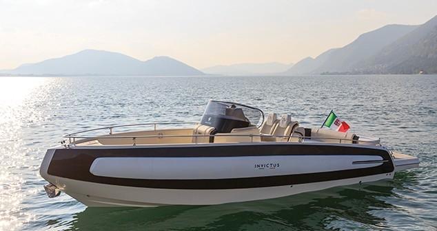 Invictus 280 TT sportboot 5
