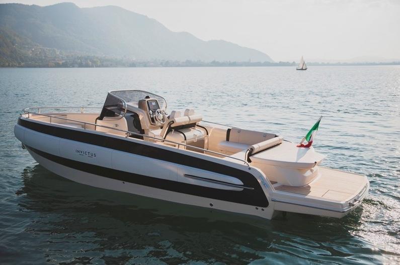 Invictus 280 TT sportboot 6