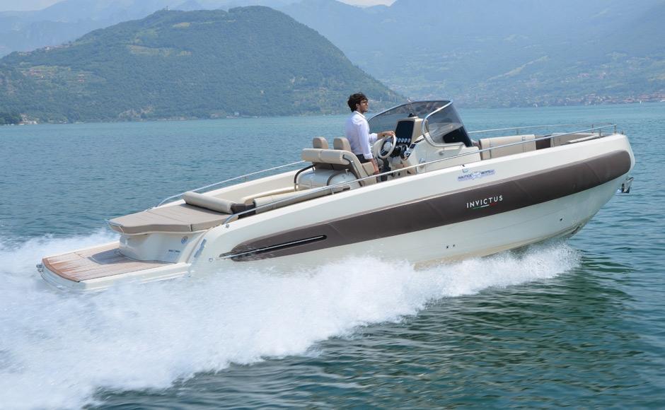 Invictus 280 TT sportboot 3