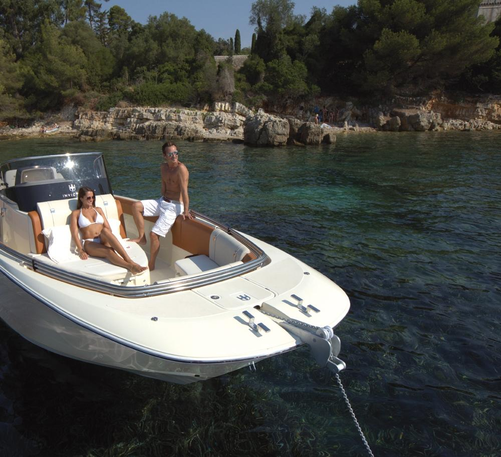 Invictus 280 SX sportboot 3