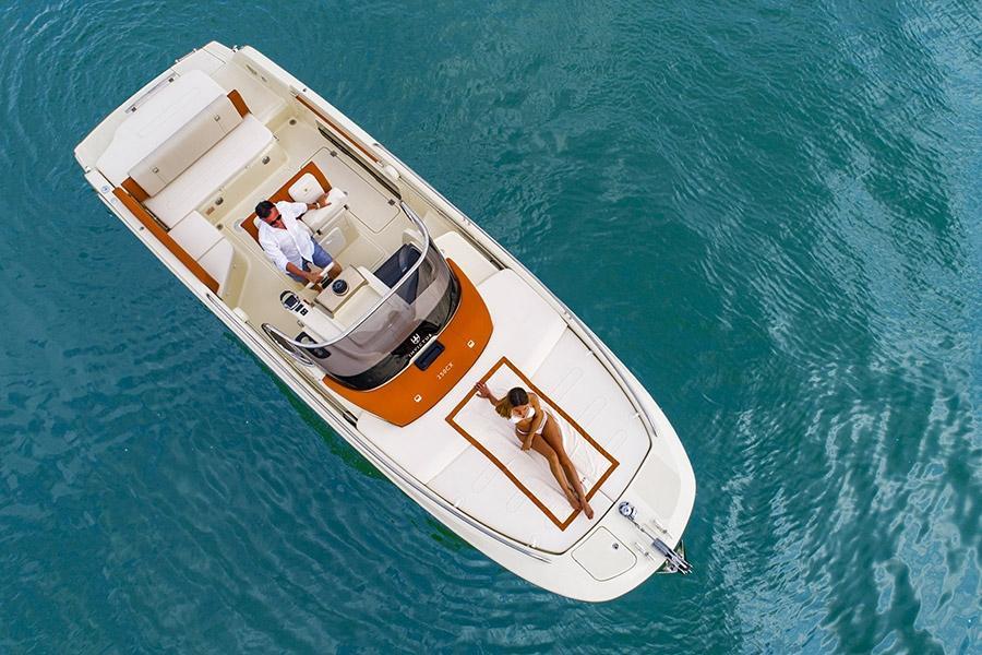 Invictus 250 CX sportboot 19