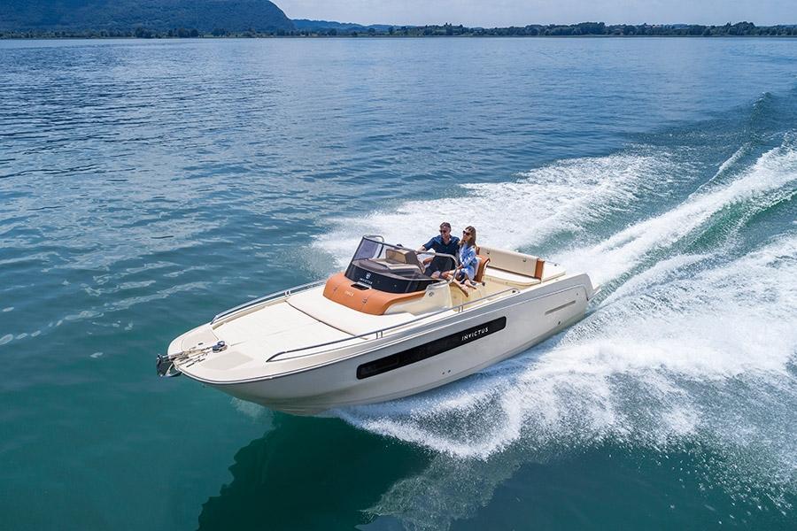 Invictus 250 CX sportboot 1