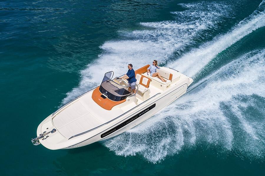 Invictus 250 CX sportboot 21