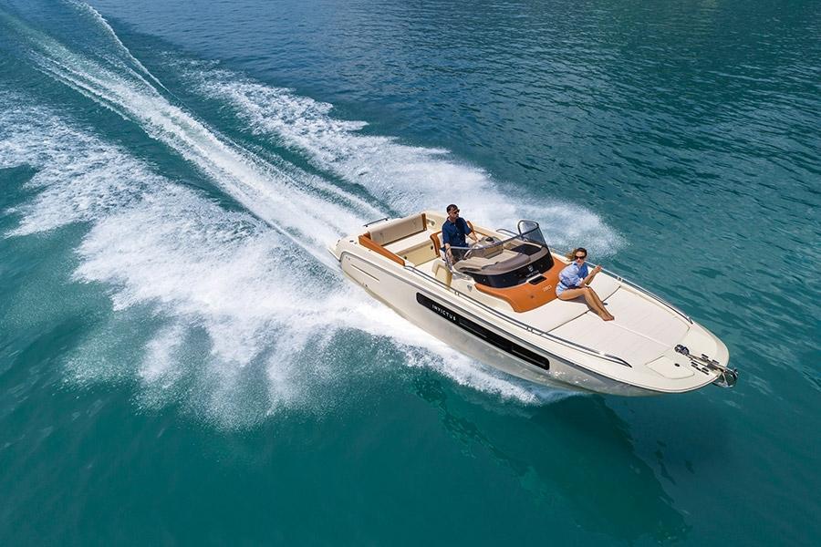 Invictus 250 CX sportboot 22